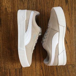 NIB Puma Carina Suede Sneakers